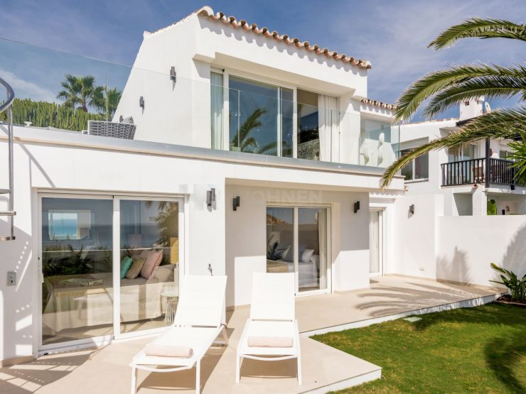 Frontline beach villa with amazing views to the sea