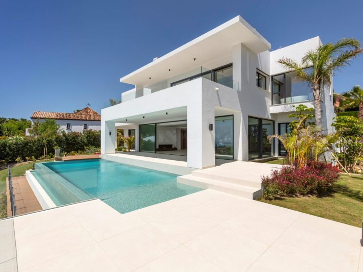 Spectacular new built modern villa with breathtaking panoramic sea views