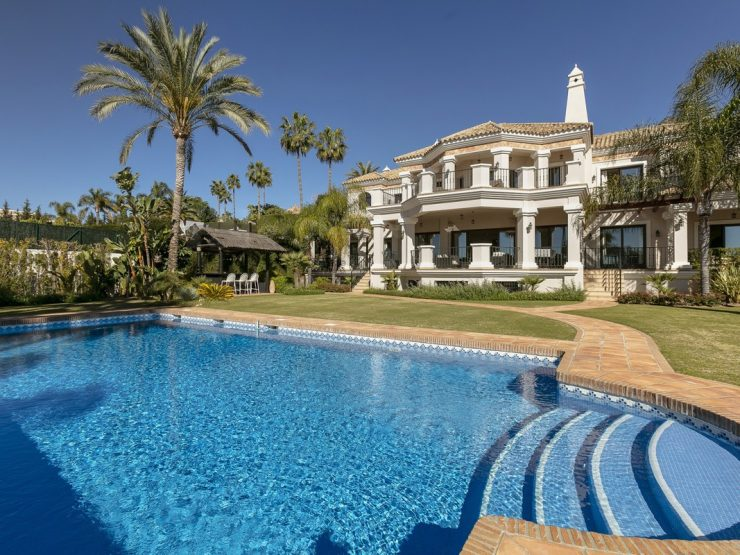 Classic villa with fantastic sea views in Sierra Blanca – Marbella