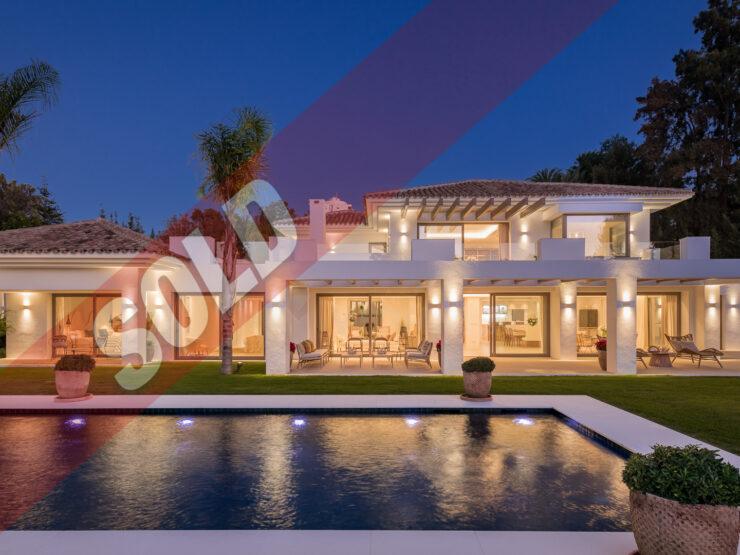 Elegant Modern Villa in El Paraiso near Golf