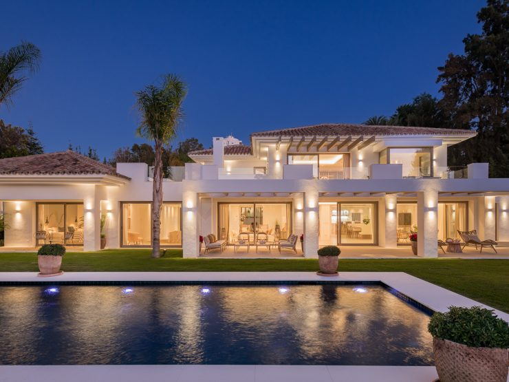 Elegant Modern Villa in El Paraiso near Golf