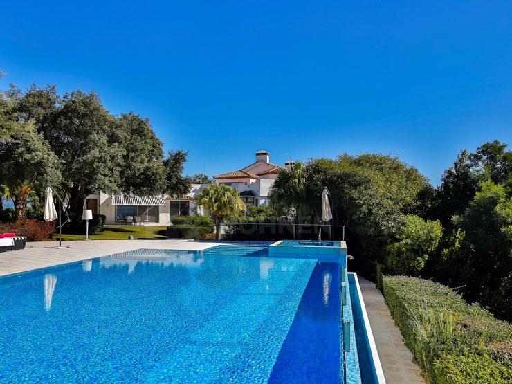 Unique villa with great views in La Mairena – Marbella