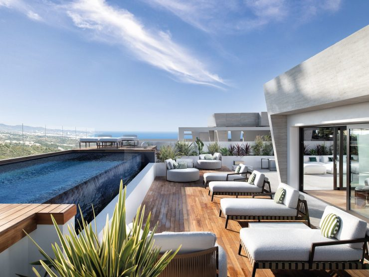 SKY VILLA – Duplex penthouse with panoramic sea views