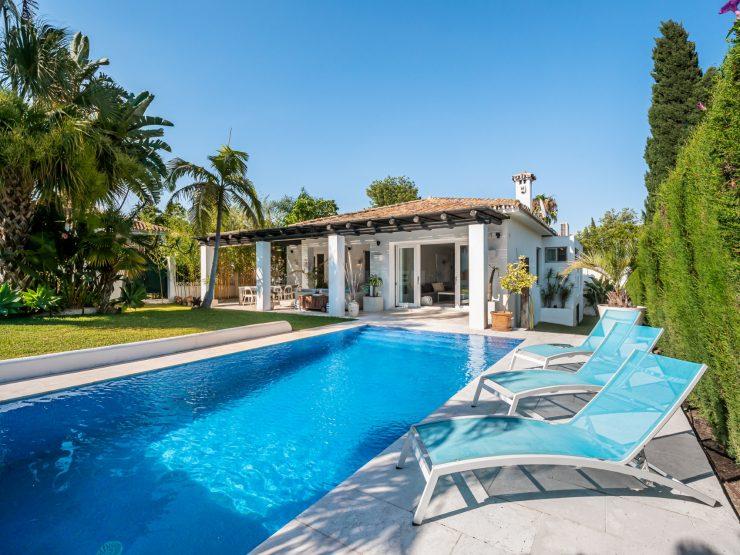 Komplett renovierte moderne Villa in Guadalmina Alta