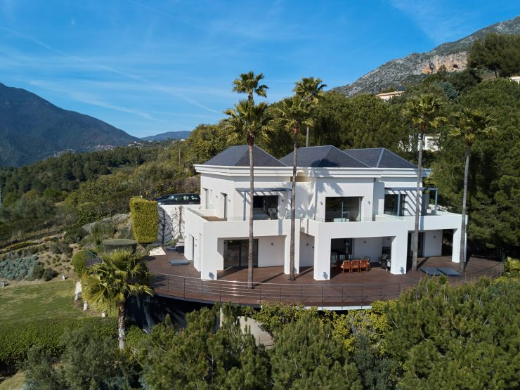Contemporary quality villa with spectacular views over the Mediterranean