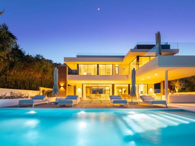 Luxuriöses Haus im LA-Stil im Herzen von Nueva Andalucia
