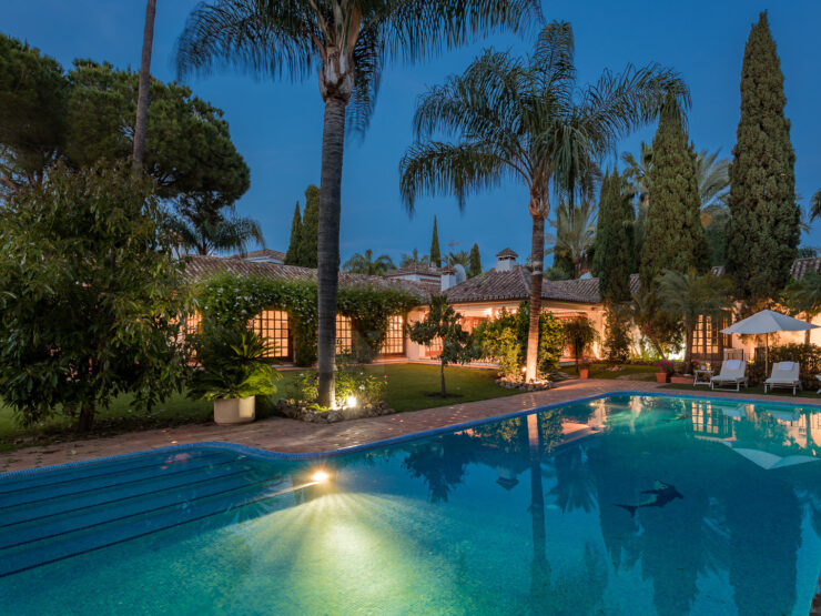 Exquisite villa in the heart of the Golf Valley in Nueva Andalucía
