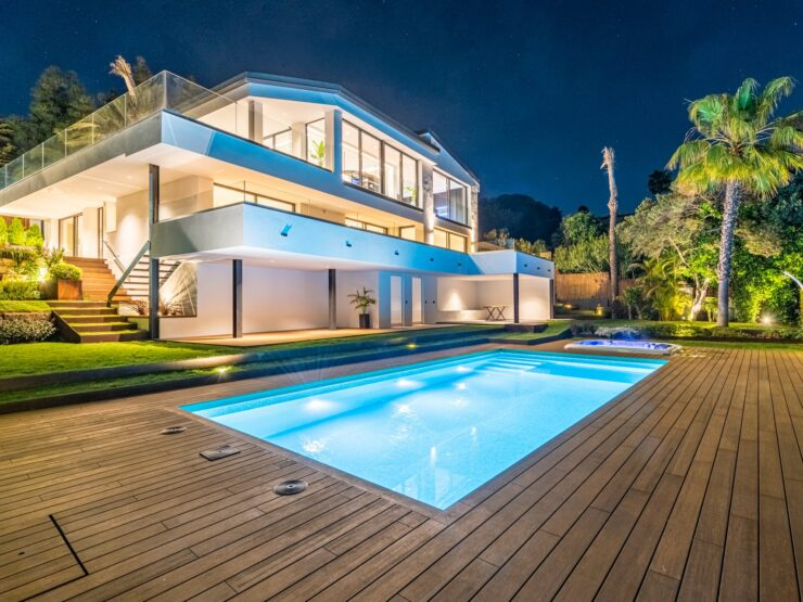 Stunning sea views villa, in Marbesa