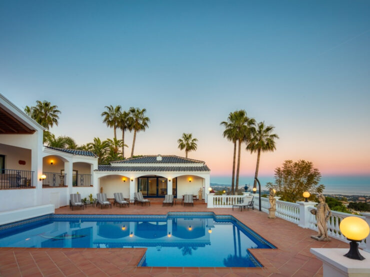 Spectacular traditional Villa in El Madroñal with panoramic views of the sea