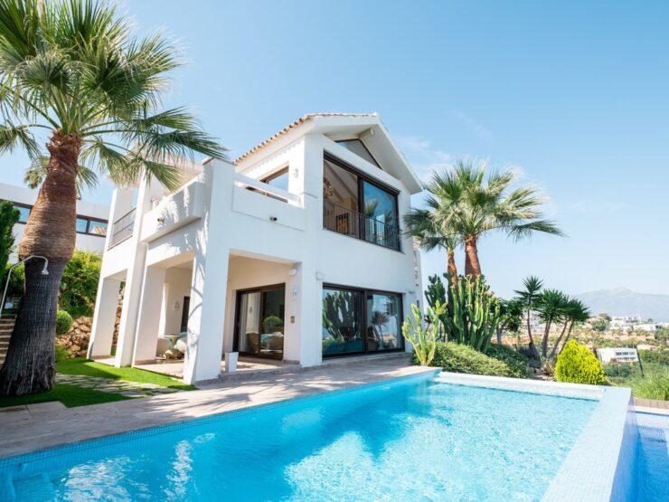 Fantastic traditional villa with panoramic sea views