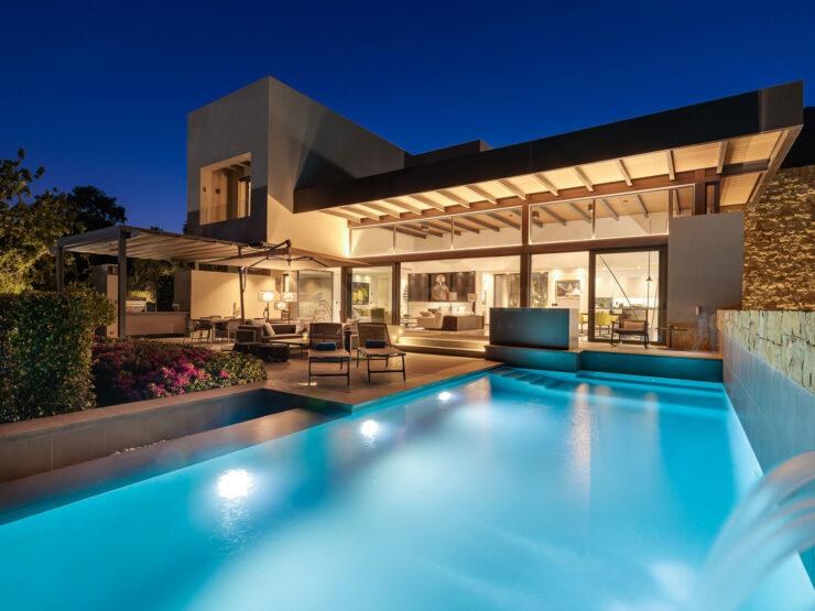 Amazing modern villa with great sea views