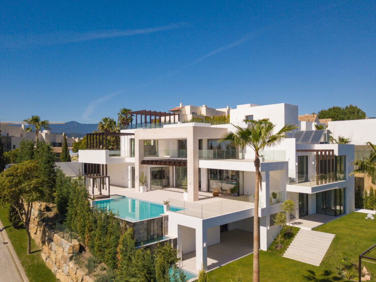 Fantastic contemporary villa with spectacular views of the sea