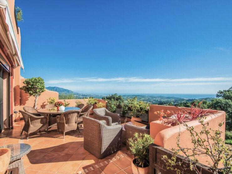 Beautiful 2 bedroom apartment with fantastic sea views in La Mairena – Elviria