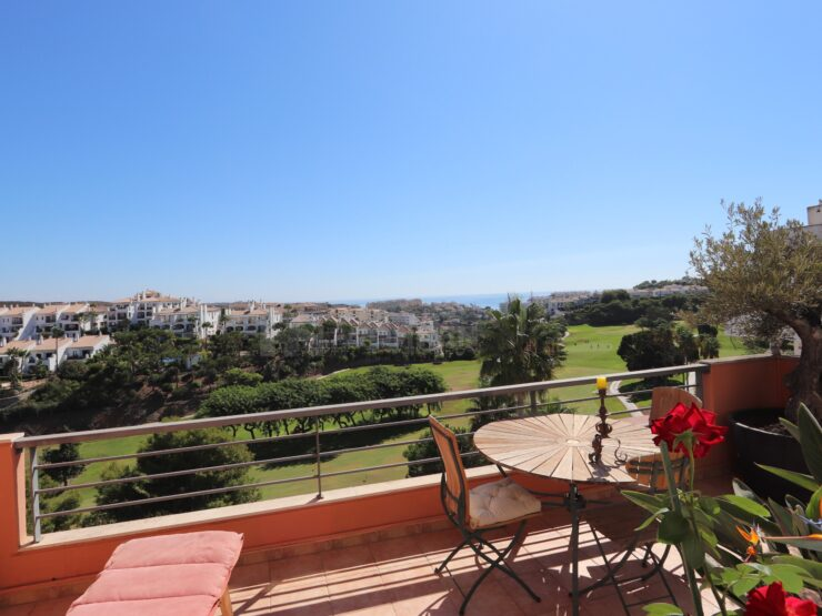 Beautiful duplex penthouse in frontline golf with panoramic views of the Golf and the sea