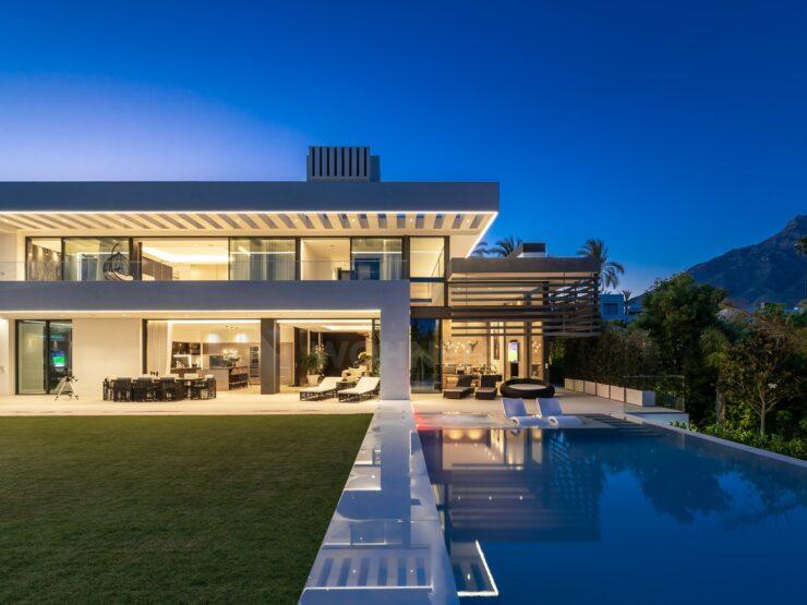 Modern luxury villa in the Golden Mile of Marbella