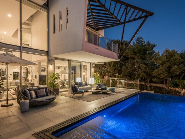 REAL ESTATE – MARBELLA – Property of the month June 2021 – The true luxury in SIERRA BLANCA – Extraordinary designer villa in the Golden Mile of Marbella