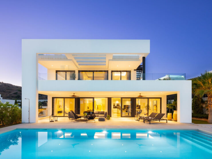 High quality contemporary villa in Nueva Andalucia