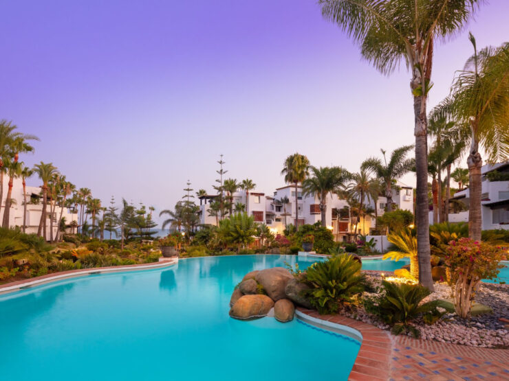 Luxury apartment in Puente Romano in the heart of Marbella's Golden Mile