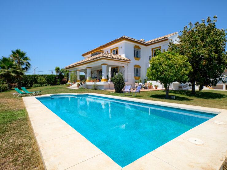 Andalucian style villa close to Guadalmina Golf Course