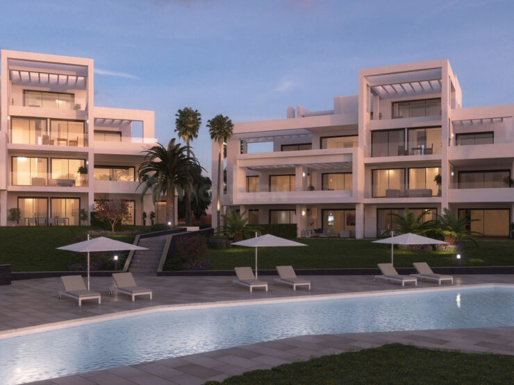 Contemporary brand new duplex penthouse in frontline golf
