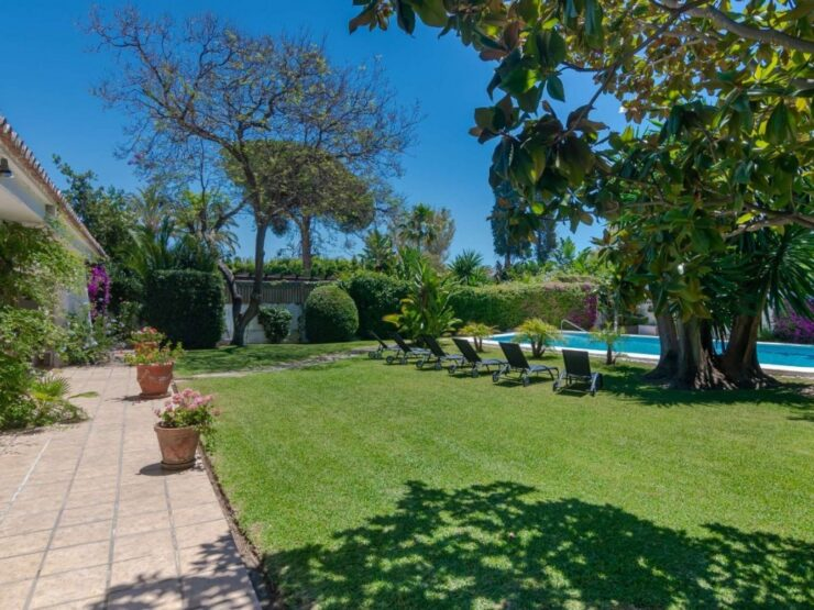 A pretty south facing villa, in an ideal location