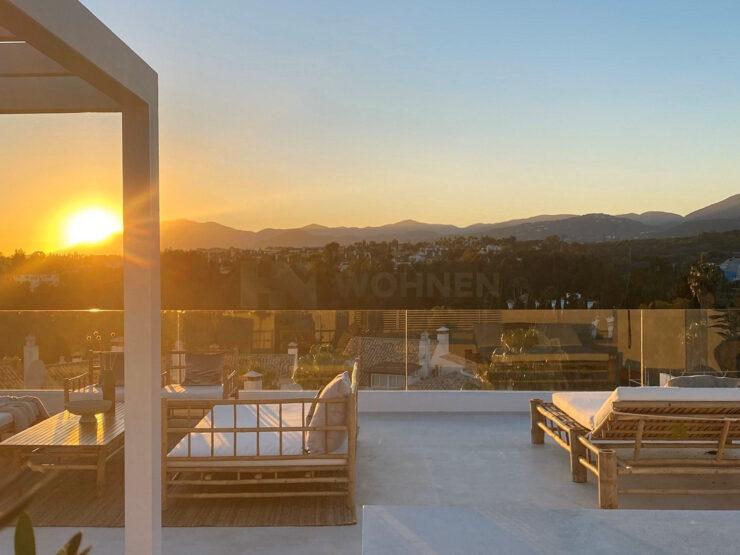 New contemporary villa in Altos de Puente Romano Golden Mile Marbella
