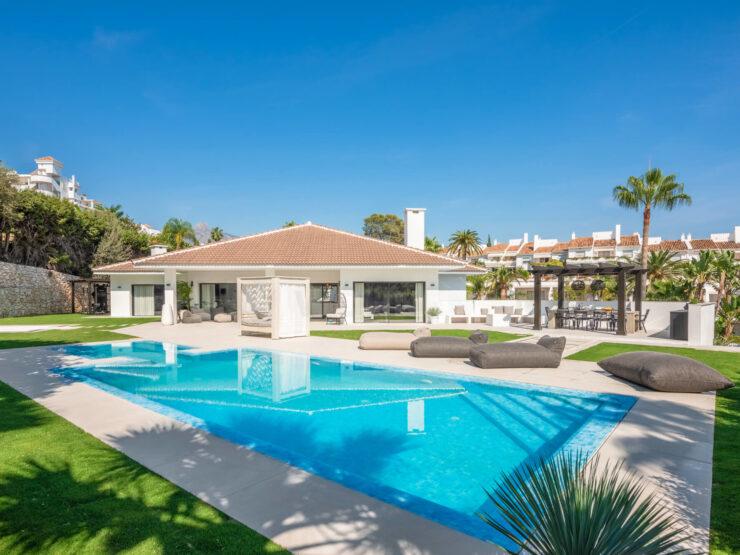 New luxury villa within walking distance to Puerto Banus