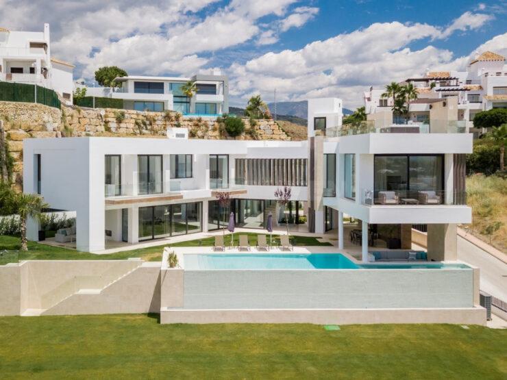 New Modern Contemporary Villa with Panoramic Sea & Golf Views